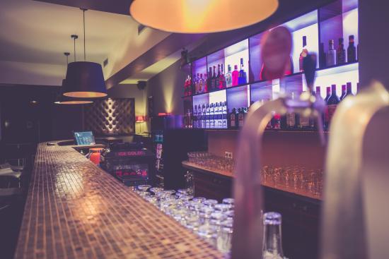Intérieur - Photo de Bar Club Contemporain Les Artistes, Strasbourg ...