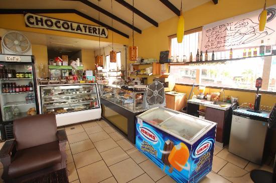 Chocolate Fusion: Dentro del edificio y los helados