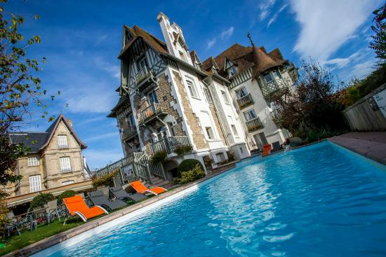 Augeval hotel updated 2017 reviews price comparison for Hotel barcares avec piscine