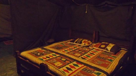 Ndutu Wildlands Camp: Le lit