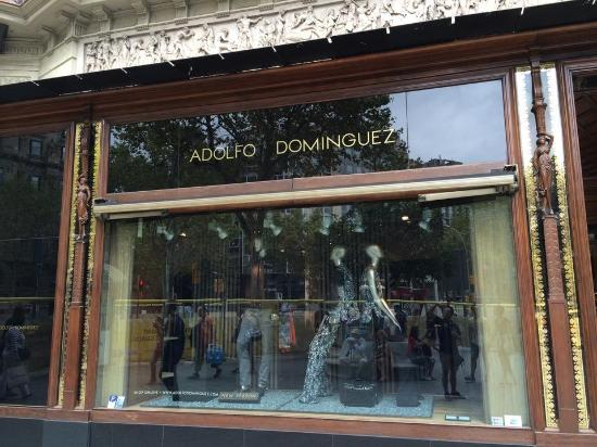 Адольфо Домингес