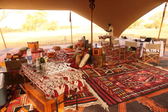 Ciad: Camp Nomade's mess tent
