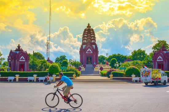 City Pillar Shrine - Prachuap Kiri Khan