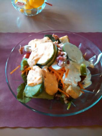 Brooklyn, CT : Great salad bar