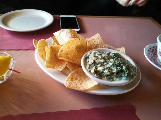 Brooklyn, CT : Perfect spinach and artichoke dip!