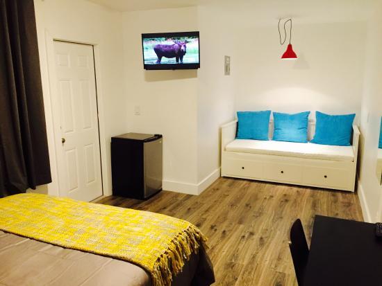 Oasis Hotel: Queen Studio Deluxe with sofa bed