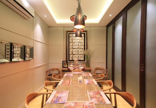 Layar Seafood Jakarta 2nd VIP Room For 10 12 Pax