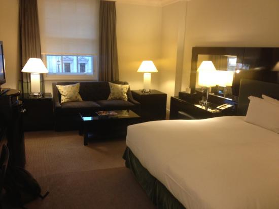 La chambre picture of sofitel london st james london for Chambre london