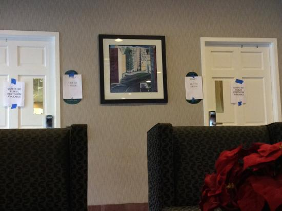 Comfort Inn by the Bay: Both toilets out of order in the lobby