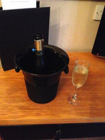 The Howbeck: Prosecco on arrival