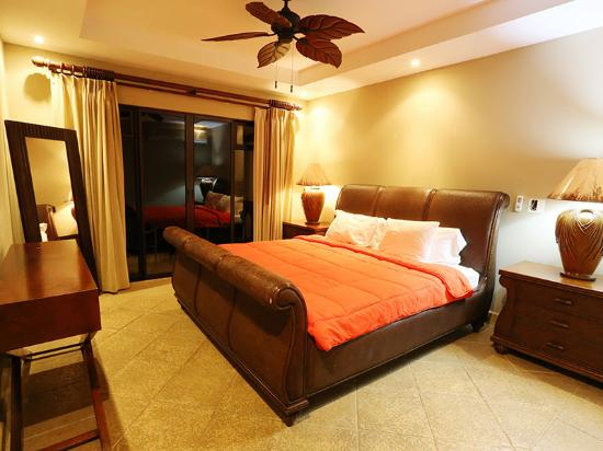 Shana By The Beach, Hotel Residence & Spa: wonderful amenities at the room