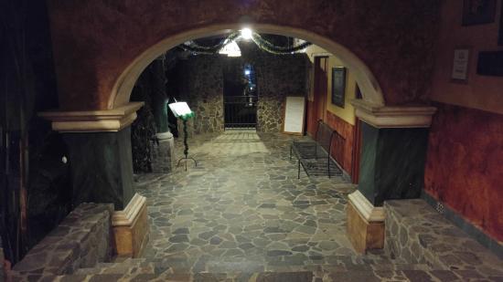 Blind Lemon's Restaurant & Cafe: Inside