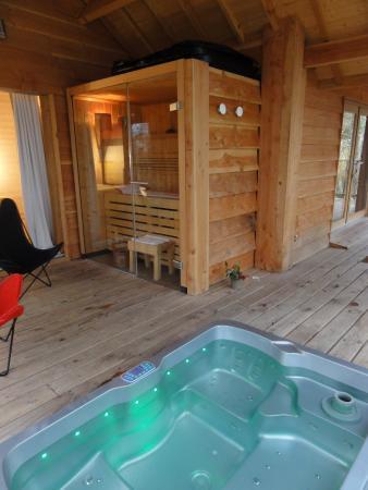 jacuzzi et sauna photo de cypr s si haut saint mexant tripadvisor. Black Bedroom Furniture Sets. Home Design Ideas