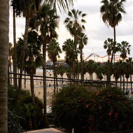 Loews Santa Monica Beach Hotel: View from 3rd Floor Room