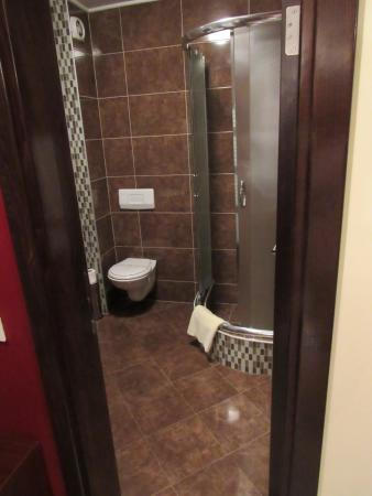 Hotel Octagon: bathroom