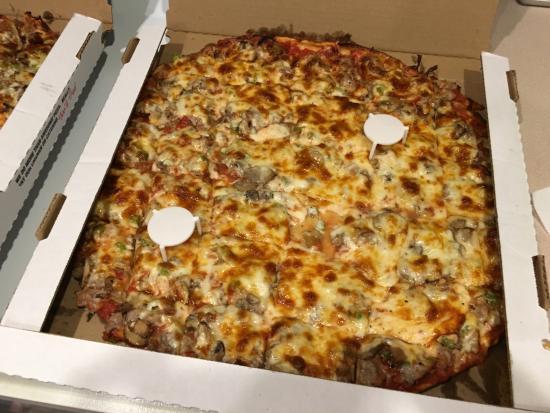 New Lenox, IL: Pepperoni Sausage Mushroom & Peppers