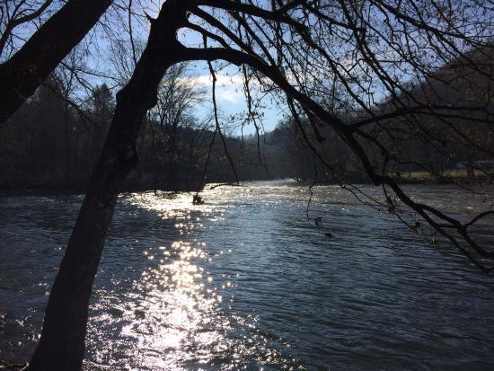 Two Rivers Lodge: photo0.jpg