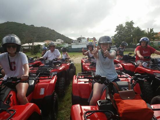 Oyster Pond, St. Maarten: Touring with a fun family