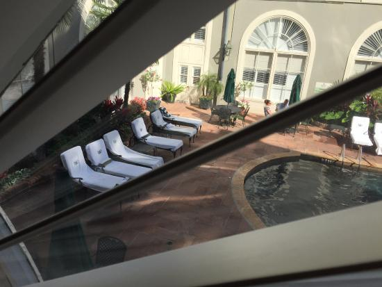 Bourbon Orleans Hotel: View of the pool area from our window