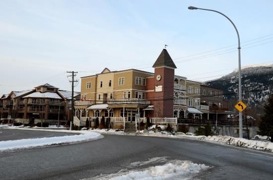 Pemberton, Kanada: Looking NNW toward hotel