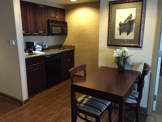 Homewood Suites by Hilton Albuquerque Airport: photo1.jpg