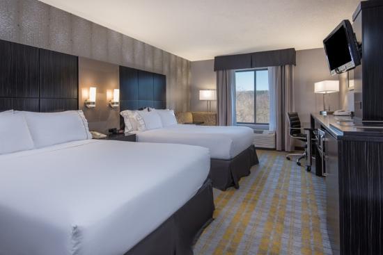 Holiday Inn Express Cooperstown: Standard Room 2 Queen Beds