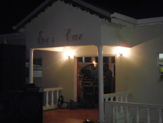 Saint John Parish, Grenada: late night dinner