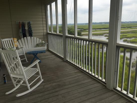 Sunset Beach, Carolina del Norte: private screened porch