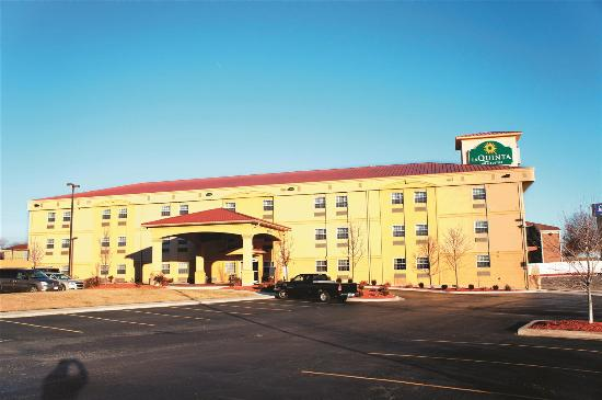 Photo of La Quinta Inn & Suites Blue Springs