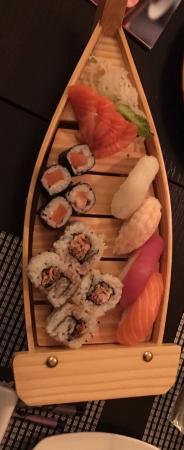 Barca di sushi foto di asaka sushi restaurant milano for Asaka japanese cuisine