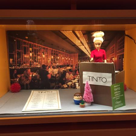 The Saguaro Palm Springs, a Joie de Vivre Hotel : Part of Barbie collection in lobby