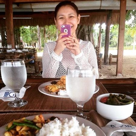 Dos Palmas Island Resort & Spa: Love their buffet lunch especially the seafood kare kare!
