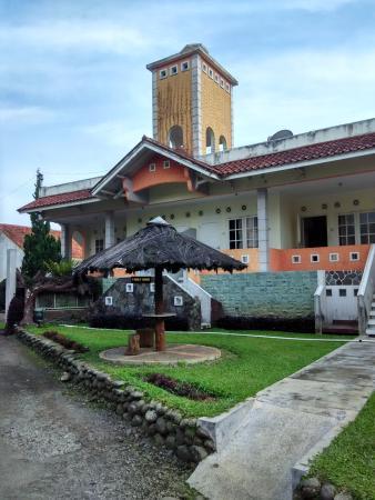 Puspa Sari Hotel Ciater: bangunan yang tidak terawat