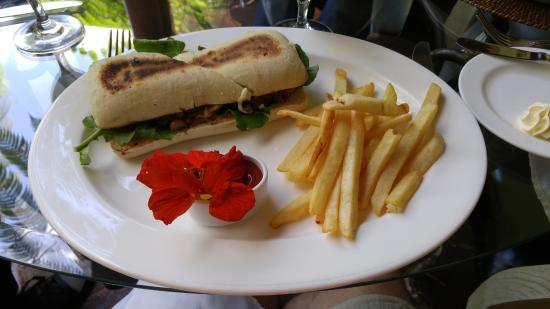 Palacio de Dona Leonor: Filet mignon sandwich
