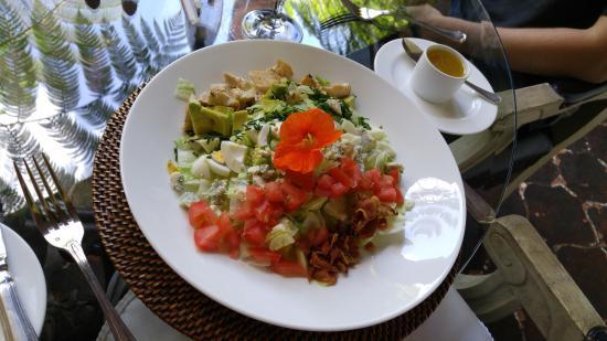 Palacio de Dona Leonor: Cobb salad