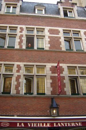 La Vieille Lanterne : fachada do hotel e da loja