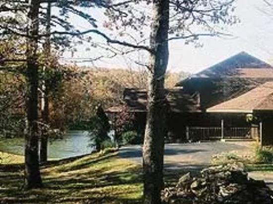 Ironton, MO: Pond view