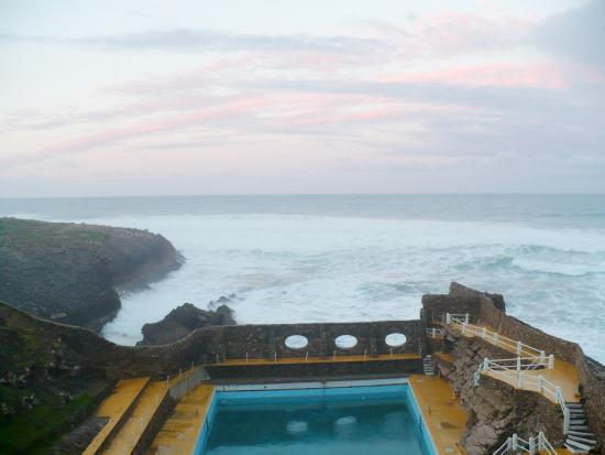 Estalagem do Forte Muchaxo: Salt water outdoor pool and ... the Atlantic in fury !