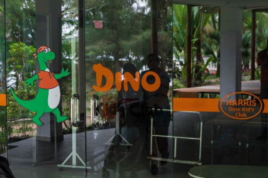 HARRIS Resort Batam Waterfront: DINO CLUB