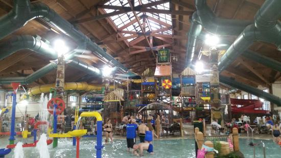 This Is Just The Indoor Water Park Only Open To Guests Picture Of Great Wolf Lodge Kansas