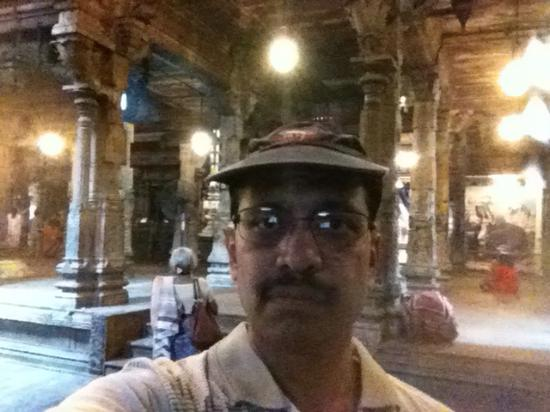Sri Ponnambalam Vanesar Kovil: well-maintained