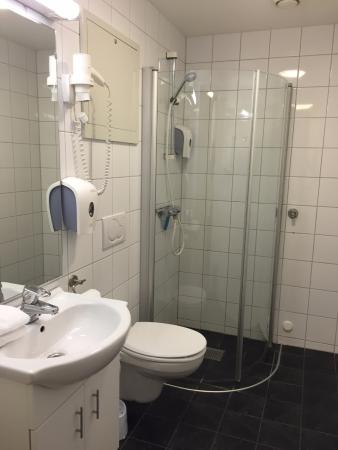 City Living Hotel & Apartments: Bathroom