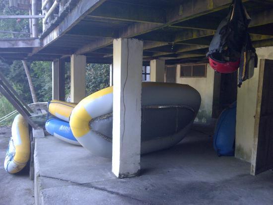 Jungle River Lodge: Equipo para rafting