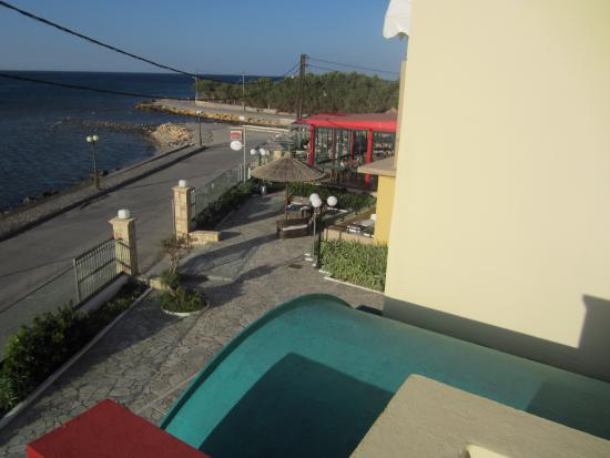 Golden Bay Hotel: View from deck outside of room