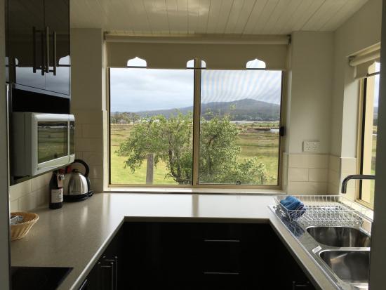Pelican Point Sanctuary : kitchen