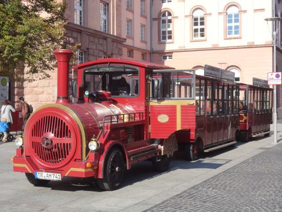 Gutenberg-Express: 客待ちをしているところ。時間になったら、発車・進行!!
