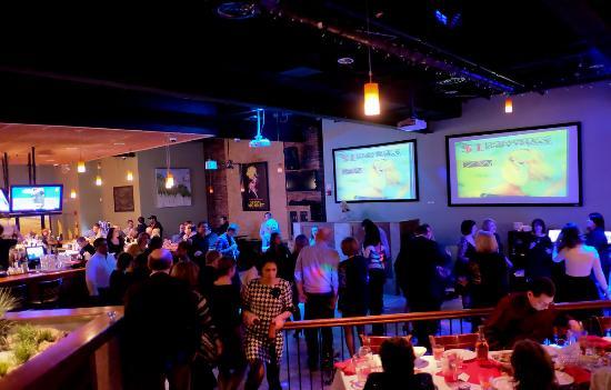 7West Bistro Grille: танцевалтный зал