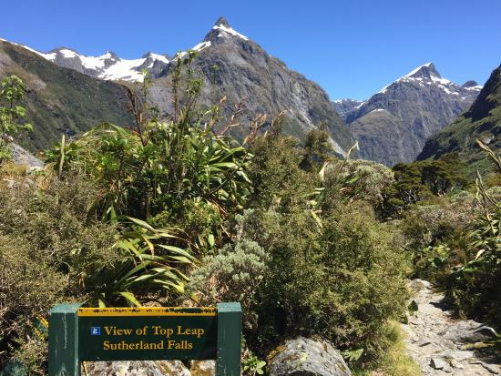 Κουίνσταουν, Νέα Ζηλανδία: マッキンノン峠から下山中