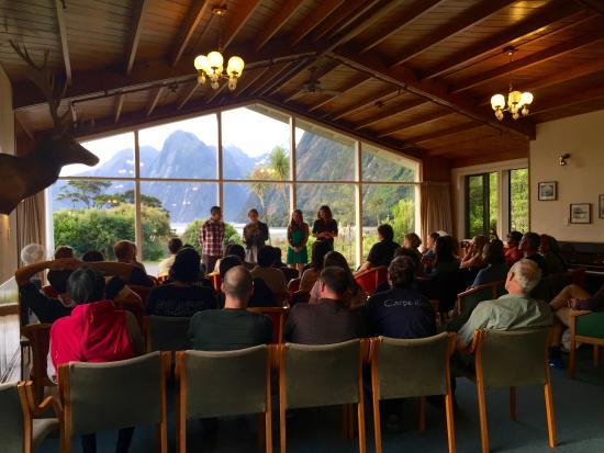 Κουίνσταουν, Νέα Ζηλανδία: 最終日のサーティフィケイト授与式
