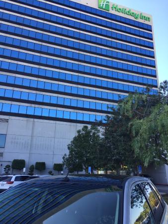 Holiday Inn Torrance: Outside parking